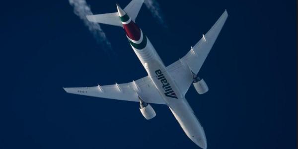 I selfie Alitalia sui cieli di Cracovia