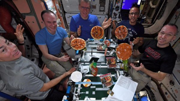 iss-pizza