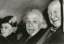La vera storia dell'iconica fotografia in cui Einstein fa la linguaccia
