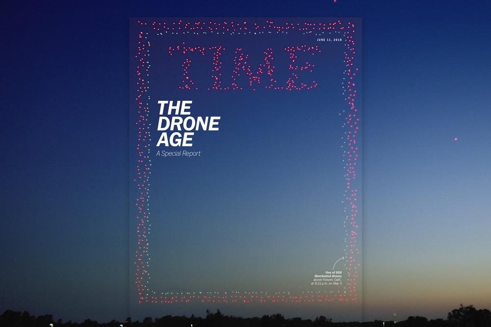 La nuova copertina della rivista TIME è stata riprodotta con 958 droni