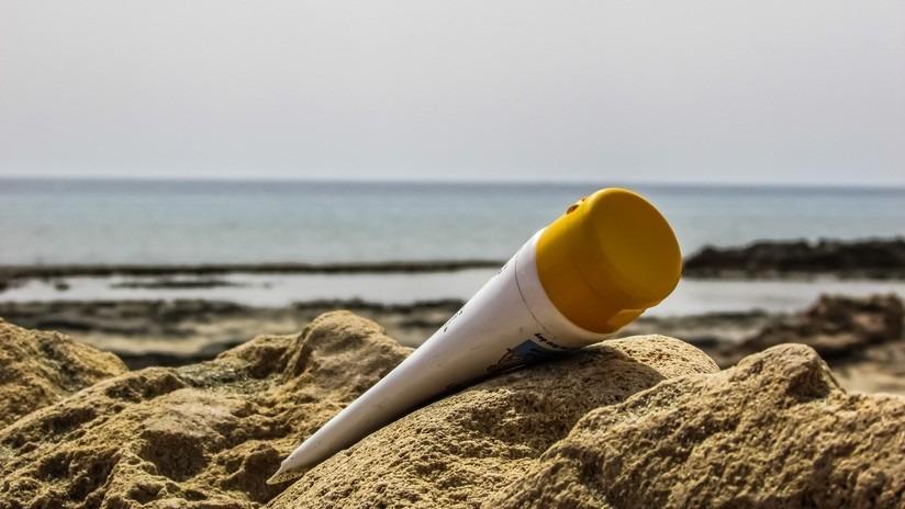 Le creme solari inquinano le coste a causa di questi due componenti chimici