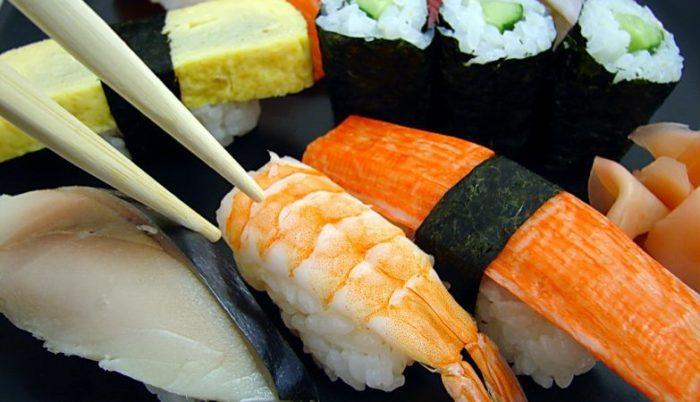 """I """"parassiti dei sushi"""" sono aumentati quasi 300 volte negli ultimi 40 anni"""